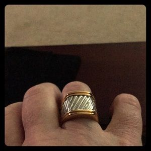Jewelry - Gold/Silver solid ring.
